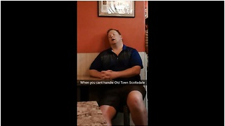 Drunk dude passes out while waiting for pizza - Video