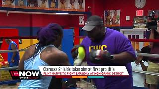 Claressa Shields takes aim at first pro title - Video