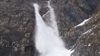 Gegskiy waterfall turns into snow cascade in Georgia - Video