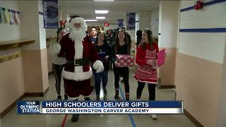 Oconomowoc High Schoolers deliver gifts - Video