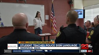 Hello humankindness: Student teaches police sign language