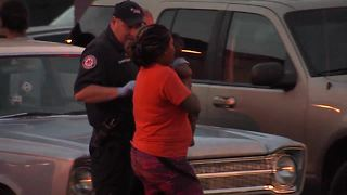 5-month-old baby reunited with family after car stolen - Video