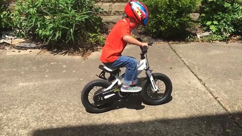 Learning To Ride A Bike Fail, Kid Throws A Tantrum!