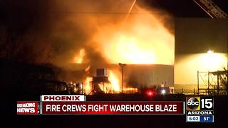 Commercial building catches fire in north Phoenix - Video