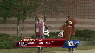 Black Friday Brawl Temporarily Shuts Down Alabama Mall - Video
