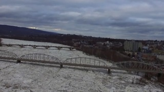 Ice Jam Slowly Moves Down Susquehanna River in Pittston - Video