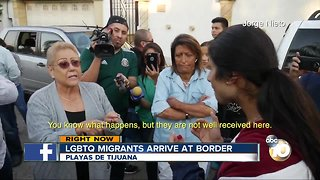 LGBTQ migrants arrive at border - Video