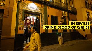 A strange drink makes a bar in Sevilla famous - Video