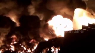 Huge fire breaks out at warehouse park in China - Video