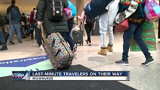 Last-minute Thankgiving travelers are on their way