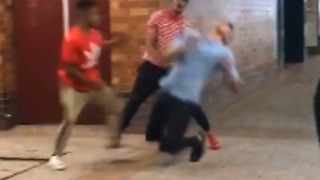 Man Punched From Behind, Kicked in Head During Brisbane Fight - Video