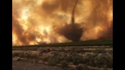 Turbulent Winds Stir Up Fire Whirl in Washington's Powerline Fire