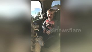 Two-year-old has adorable reaction to first Halloween scare - Video