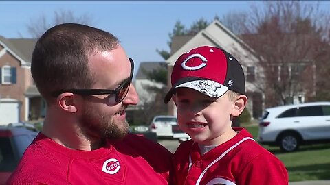 Reds Opening Day parade wasn't canceled for this 4-year-old fan
