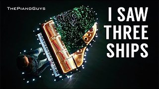 Musician Plays A Song On Piano That Controls 500,000 Christmas Lights - Video