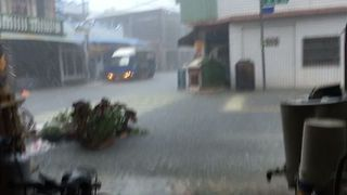 Typhoon Nesat Brings Torrential Rain and Flooding to Southwestern Rural Taiwan - Video