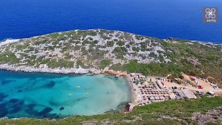 Drone captures exotic hidden beach at Greek border - Video