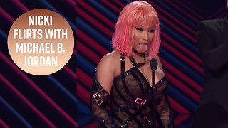 3 Sauciest moments from the People's Choice Awards - Video
