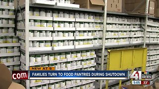 Families impacted by shutdown turning to food pantries