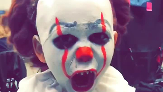Kid Dressed As Pennywise The Clown Is Everyone's Nightmare - Video