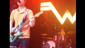Weezer's drummer catches a frisbee mid-song - Video