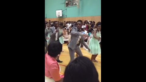 Mind-blowing Zimbabwean bridal team dance performance