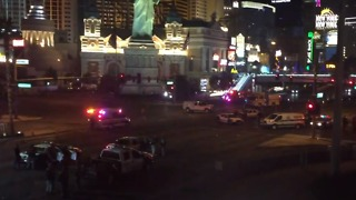 Heavy Police Presence on Street Following Mandalay Bay Shooting - Video