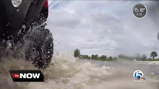 Barky Lines Animal Rescue dealing with high water in Loxahatchee - Video