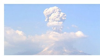 Colima Eruption Throws Ash Cloud Over Mexican Countryside - Video