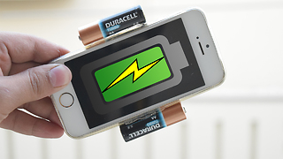How to make a portable charger for iPhone - Video