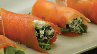 Salmon rolls: Easy appetizer recipe - Video