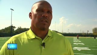 Former Packers fullback William Henderson takes on bullying - Video