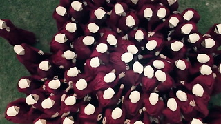'The Handmaid's Tale' Summarized By The Cast - Video