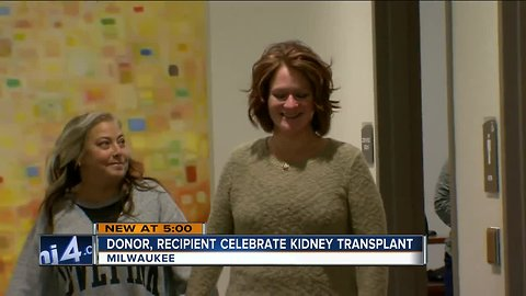 Woman who put up billboards looking for kidney, finds her match