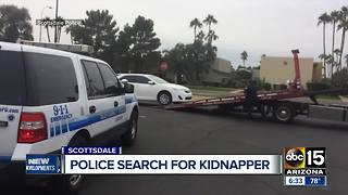 Police searching for kidnapper that took 94-year-old Scottsdale woman hostage - Video