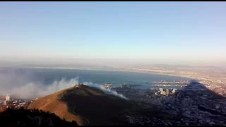 WATCH: Firefighters battle Signal Hill fire (5Bh)