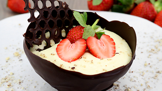 Learn How To Prepare A Sweet Chocolate Cup For Valentine's Day - Video