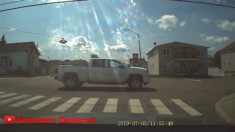 Dash cam captures empty vehicle driving on its own