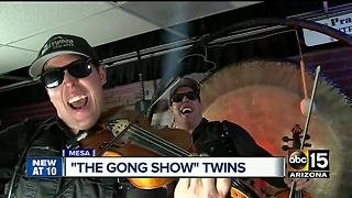 Mesa twins become famous fiddlers - Video
