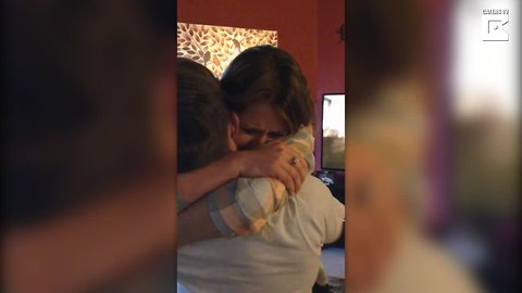 Soldier Returns Home To Surprise His Sister