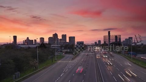 Stunning day-night time-lapse of Canary Wharf