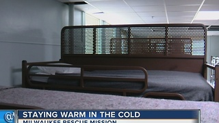 Staying warm in the cold - Video