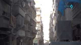 Civilians Run For Cover As Airstrikes Hit S. Aleppo Neighborhood - Video