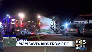 Mom saves kids from Phoenix house fire - Video