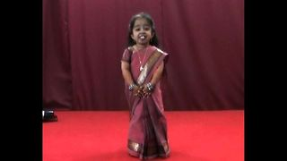World's Shortest Woman - Video