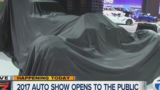 Auto Show reveal - Video
