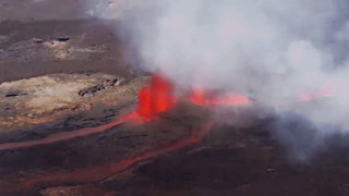 Piton de la Fournaise Sends Lava Streams Flowing Across Réunion Island - Video