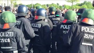 Thousands of Police Deployed in Berlin Amid Tense Protests - Video