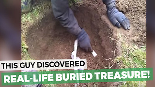 Man Discovers Hidden Treasure With His Metal Detector - Video