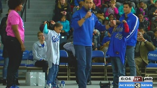 Student athletes speaks to elementary students on education - Video